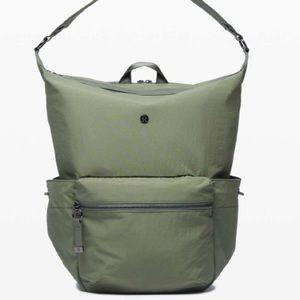 Lululemon Easy Days Backpack in Medium olive